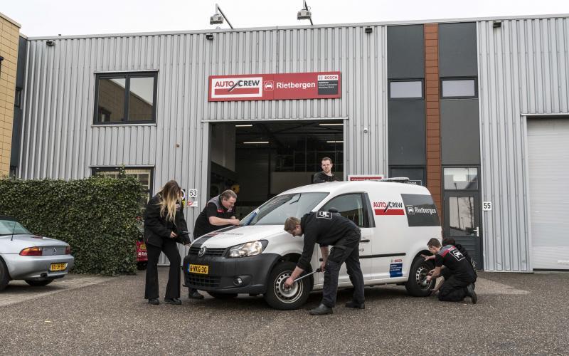 Auto onderhoud door het team