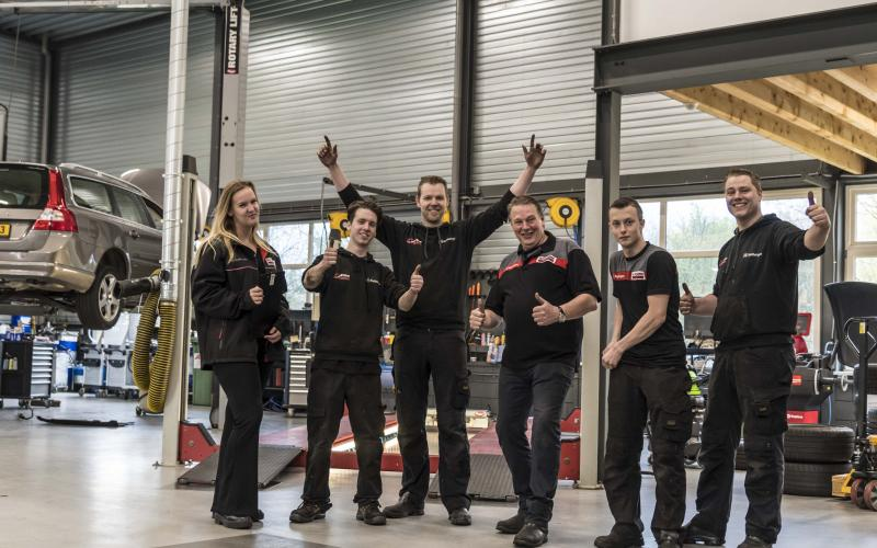 Het team van AutoCrew Rietbergen